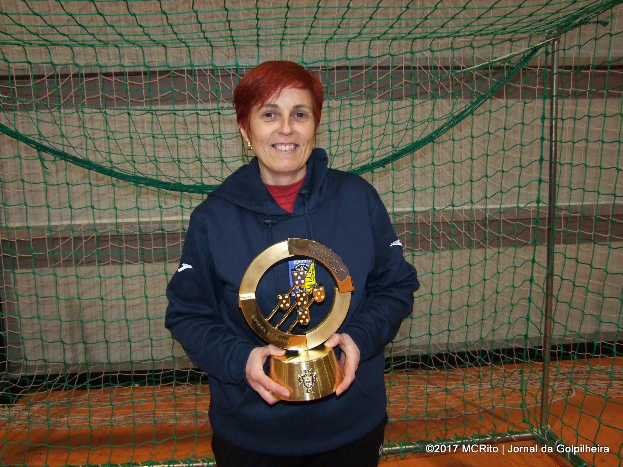"""""""Quinas de Ouro"""" deram prémio à responsável do Futsal da Golpilheira:Teresa Jordão é """"Treinadora do Ano"""""""